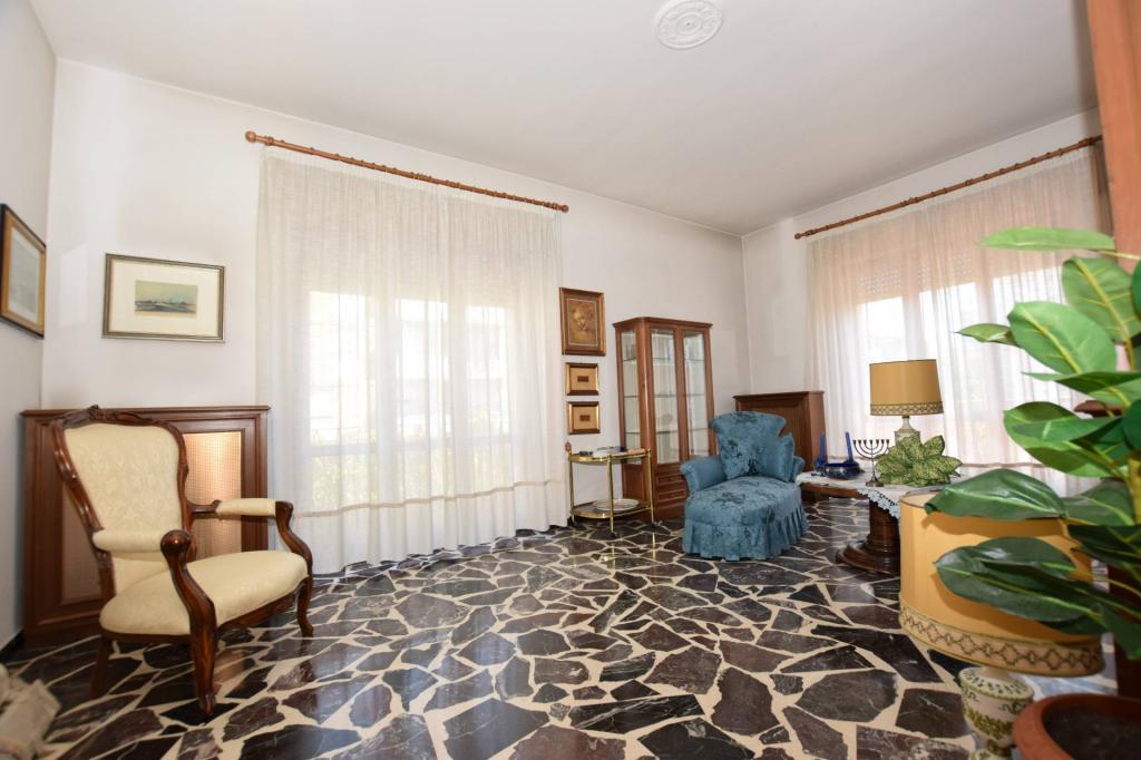 Palazzo / Stabile in vendita a Pisa, 5 locali, prezzo € 260.000 | CambioCasa.it