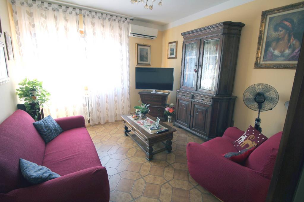 Palazzo / Stabile in vendita a Cascina, 5 locali, prezzo € 165.000 | CambioCasa.it