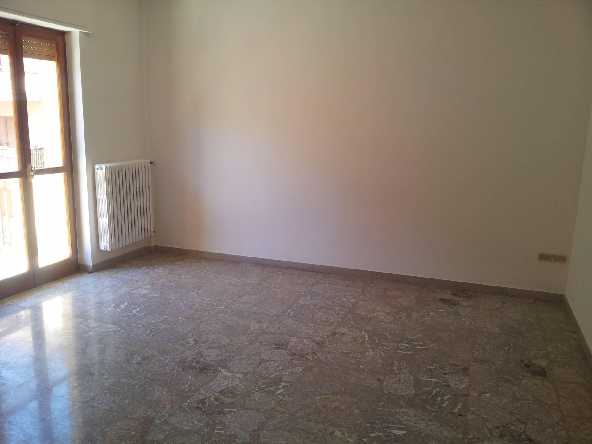 Appartamento in affitto a Lanciano, 6 locali, prezzo € 180 | Cambio Casa.it
