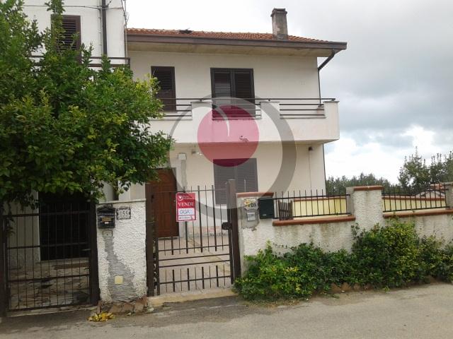 Soluzione Semindipendente in vendita a Rocca San Giovanni, 6 locali, prezzo € 110.000 | Cambio Casa.it