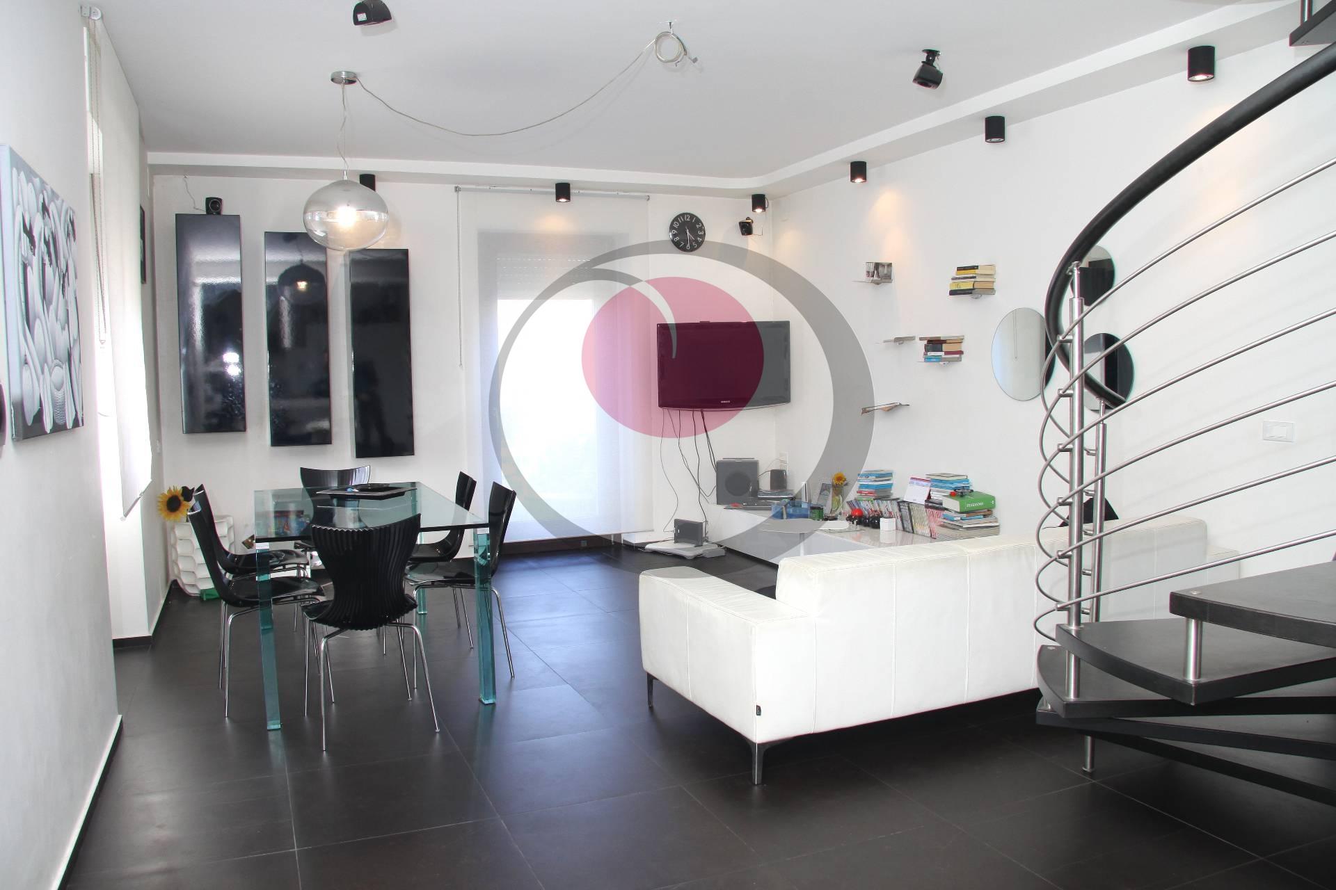 Soluzione Indipendente in vendita a Lanciano, 7 locali, prezzo € 178.000 | Cambio Casa.it