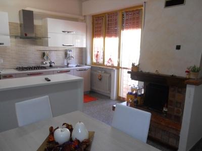 Appartamento in vendita a Corropoli, 5 locali, zona Località: Bivio, prezzo € 120.000 | Cambio Casa.it