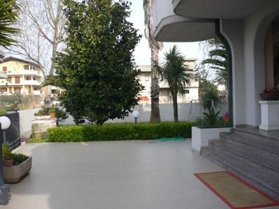 Villa in vendita a Alba Adriatica, 6 locali, zona Località: ViaRoma, prezzo € 650.000 | Cambio Casa.it