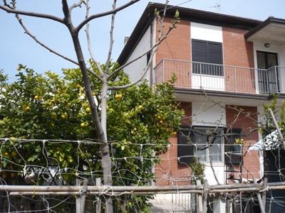 Soluzione Indipendente in vendita a Alba Adriatica, 6 locali, zona Località: ZonaBasciani, prezzo € 420.000 | Cambio Casa.it