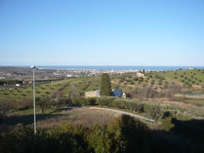 Villa in vendita a Tortoreto, 5 locali, zona Località: TortoretoAlta, prezzo € 350.000 | Cambio Casa.it