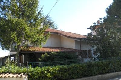 Villa in vendita a Tortoreto, 5 locali, zona Località: TortoretoAlta, prezzo € 330.000 | Cambio Casa.it