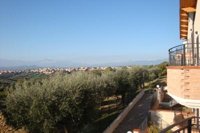 Villa Bifamiliare in vendita a Mosciano Sant'Angelo, 3 locali, prezzo € 230.000 | Cambio Casa.it