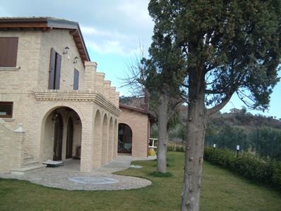 Villa in vendita a Tortoreto, 10 locali, zona Località: TortoretoAlta, prezzo € 650.000 | Cambio Casa.it
