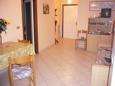 Appartamento in vendita a Martinsicuro, 3 locali, zona Località: ViadelleLancette, prezzo € 130.000 | Cambio Casa.it