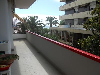 Appartamento in vendita a Alba Adriatica, 3 locali, zona Località: lungomareMarconi, prezzo € 120.000   Cambio Casa.it