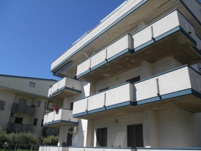 Appartamento in vendita a Alba Adriatica, 3 locali, prezzo € 110.000   Cambio Casa.it