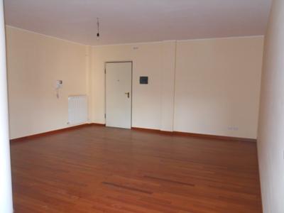 Appartamento in vendita a Alba Adriatica, 4 locali, prezzo € 135.000 | CambioCasa.it