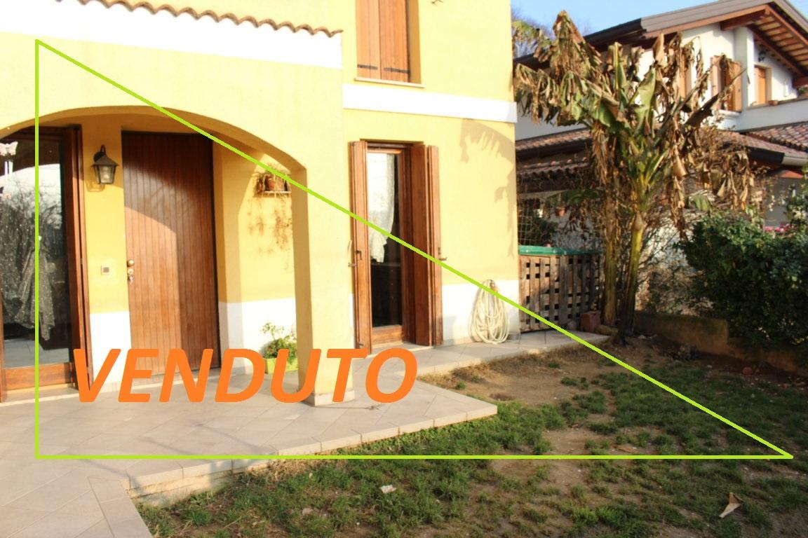 Appartamento in vendita a Ronchi dei Legionari, 4 locali, zona Zona: Vermegliano, prezzo € 114.000   CambioCasa.it