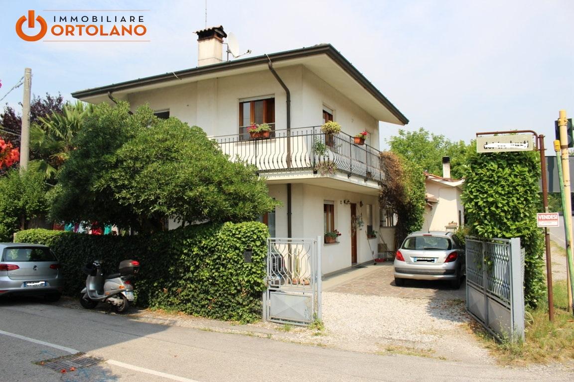 Soluzione Indipendente in vendita a Fiumicello, 4 locali, zona Località: SanAntonio, prezzo € 140.000 | CambioCasa.it