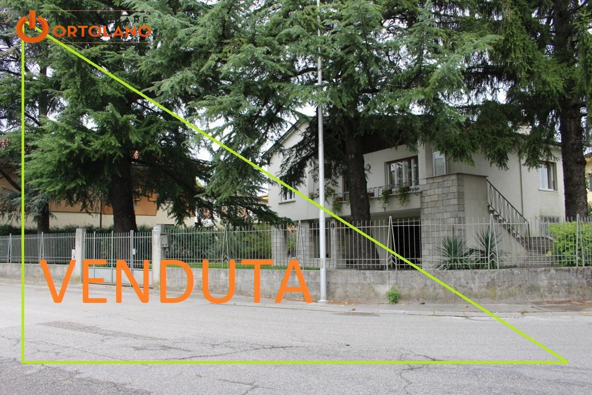Villa in vendita a Gradisca d'Isonzo, 6 locali, prezzo € 175.000 | CambioCasa.it