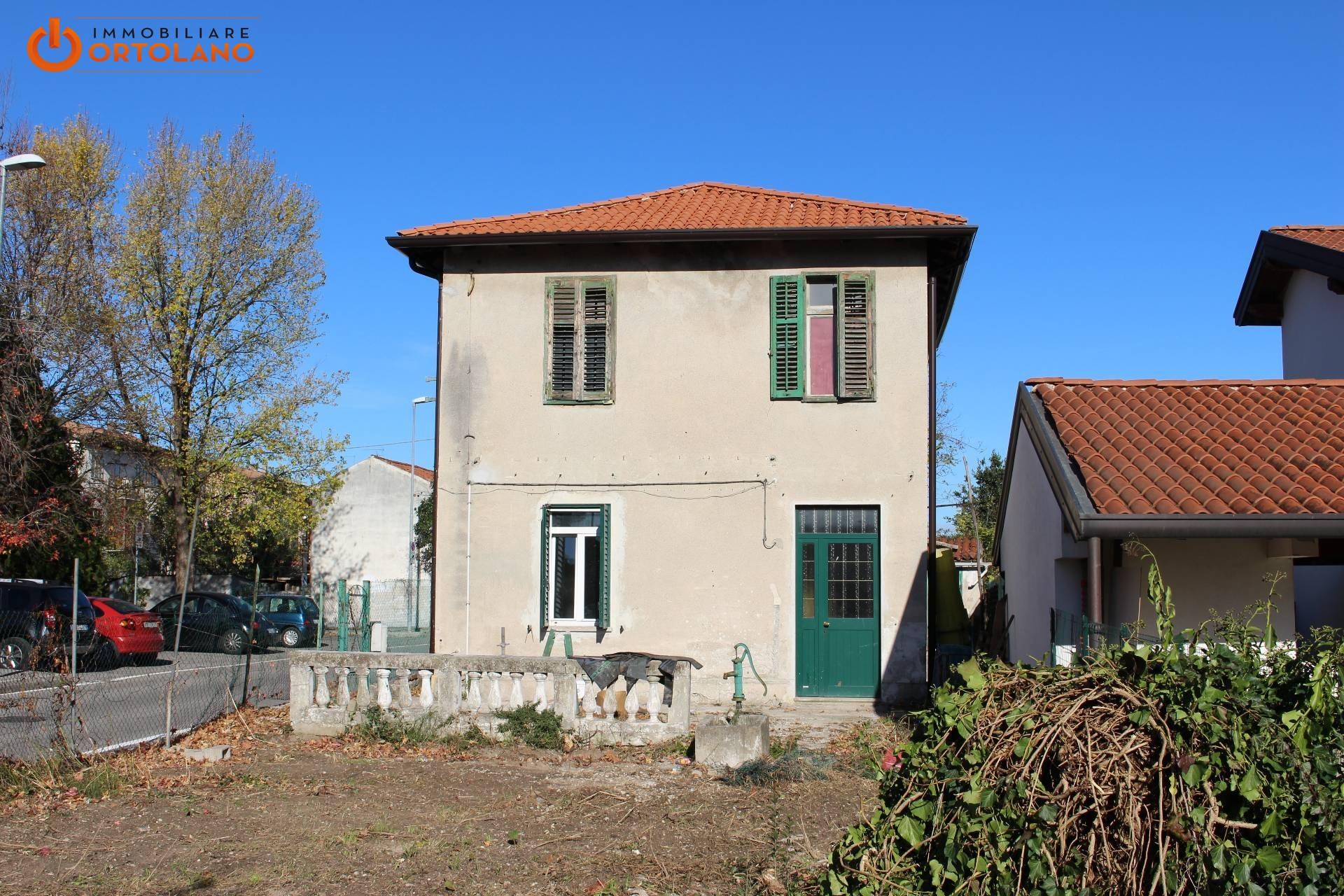 Soluzione Indipendente in vendita a Monfalcone, 10 locali, zona Zona: Aris, prezzo € 85.000 | CambioCasa.it