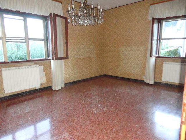 Villa in vendita a San Giuliano Terme, 6 locali, prezzo € 550.000 | CambioCasa.it