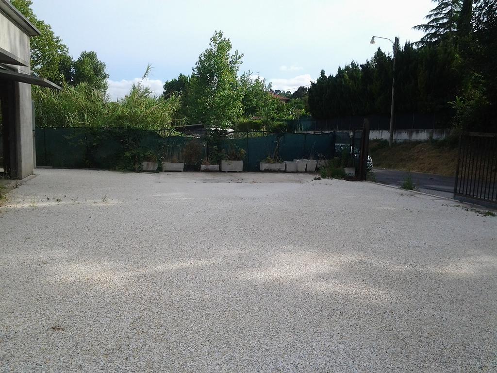 Negozio / Locale in Vendita a Ancona