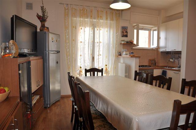 Appartamento in vendita a Morrovalle, 5 locali, prezzo € 125.000 | Cambio Casa.it