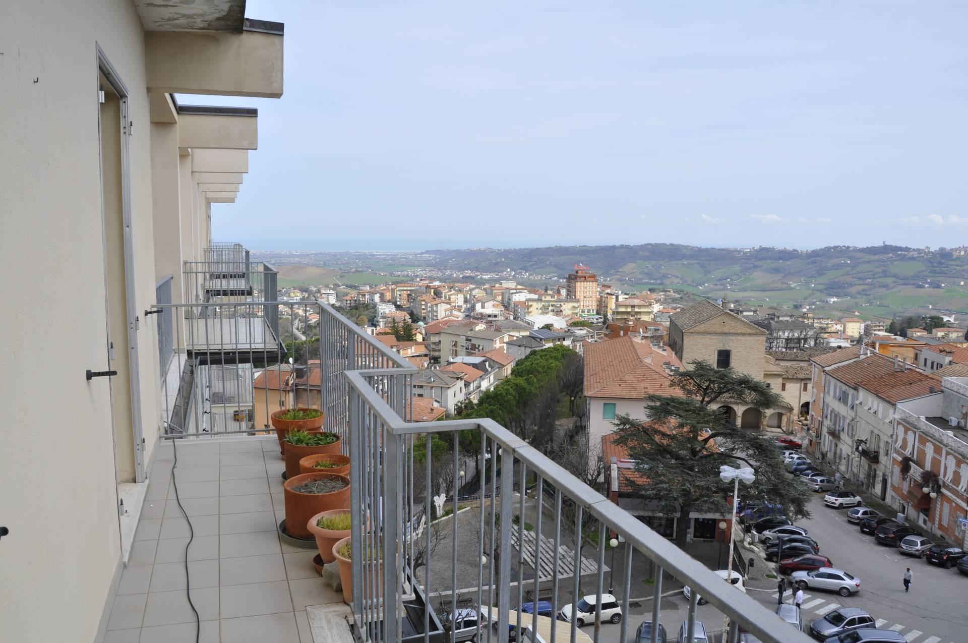 Appartamento in vendita a Montegranaro, 5 locali, prezzo € 39.000 | Cambio Casa.it