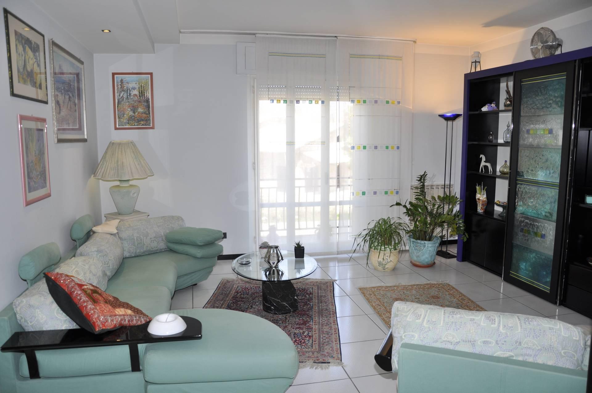 Appartamento in vendita a Monte San Giusto, 6 locali, prezzo € 120.000 | Cambio Casa.it