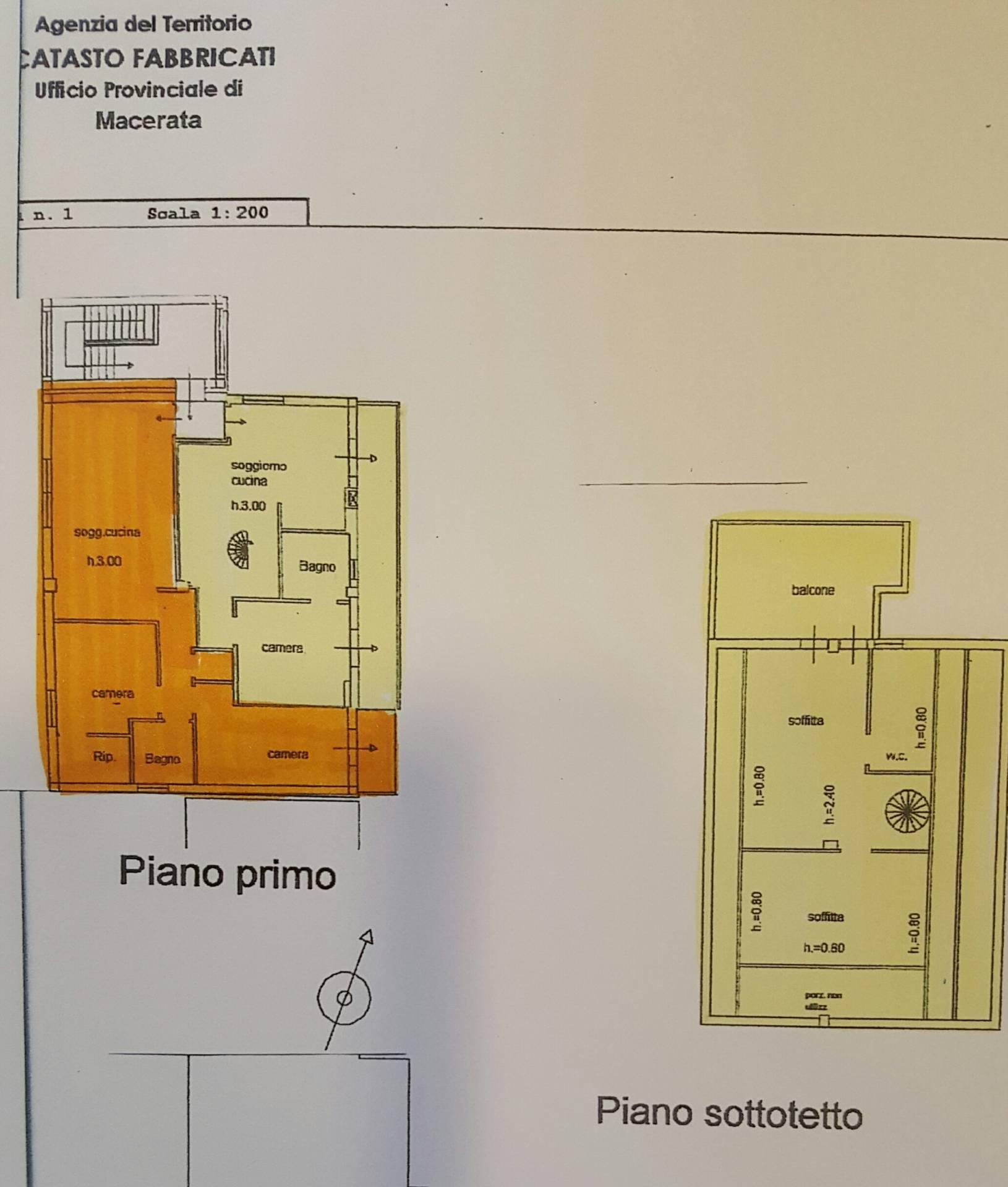 Appartamento in vendita a Morrovalle, 10 locali, prezzo € 159.000 | CambioCasa.it