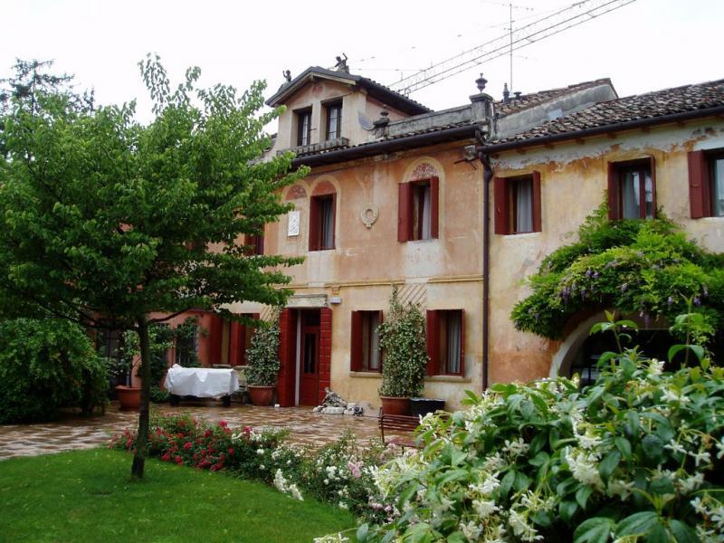 Palazzo / Stabile in vendita a Conegliano, 9 locali, prezzo € 1.000.000 | Cambio Casa.it