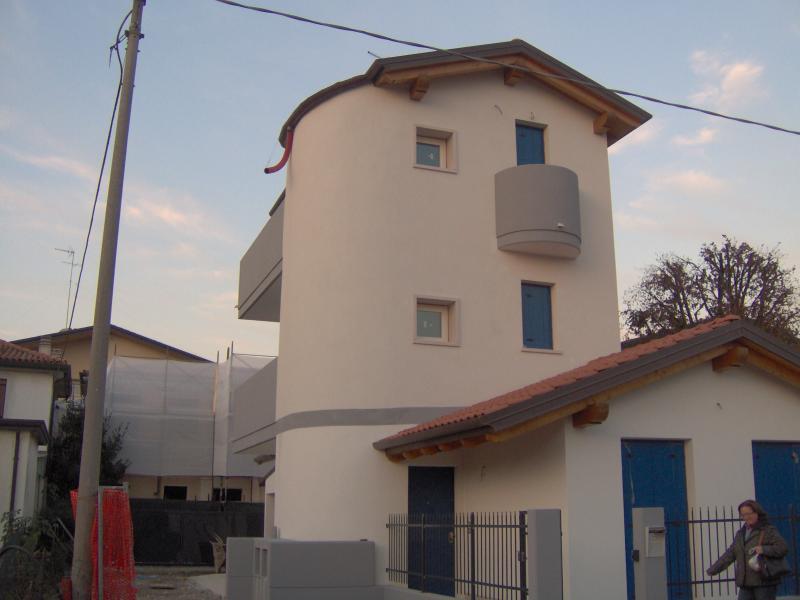 Villa in vendita a Mogliano Veneto, 5 locali, prezzo € 325.000 | CambioCasa.it