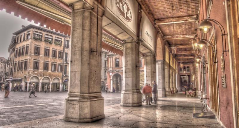 Negozio / Locale in affitto a Treviso, 9999 locali, zona Località: Centrostorico, prezzo € 10.000 | CambioCasa.it