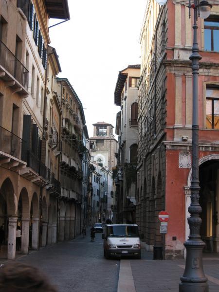 Negozio / Locale in affitto a Treviso, 9999 locali, prezzo € 2.800 | Cambio Casa.it