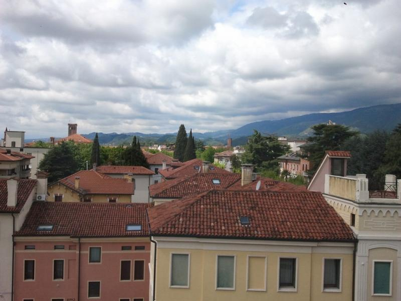 Attico / Mansarda in vendita a Bassano del Grappa, 4 locali, prezzo € 100.000   Cambio Casa.it