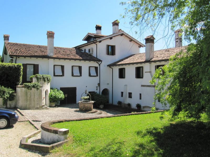 Villa in vendita a Villorba, 10 locali, zona Zona: Lancenigo, Trattative riservate | Cambio Casa.it