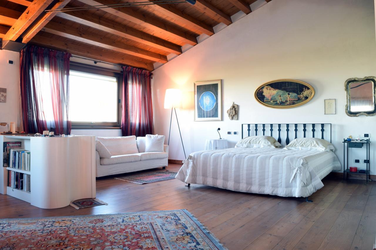 Villa in vendita a Colle Umberto, 5 locali, zona Località: SanMartinodiColleUmberto, prezzo € 1.000.000 | Cambio Casa.it