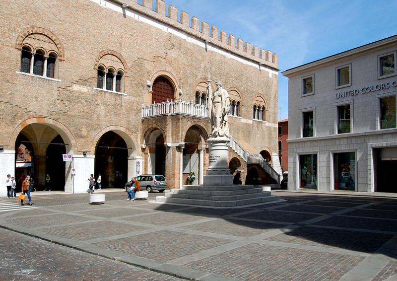 Negozio / Locale in affitto a Treviso, 9999 locali, zona Località: Centrostorico, prezzo € 2.000   Cambio Casa.it