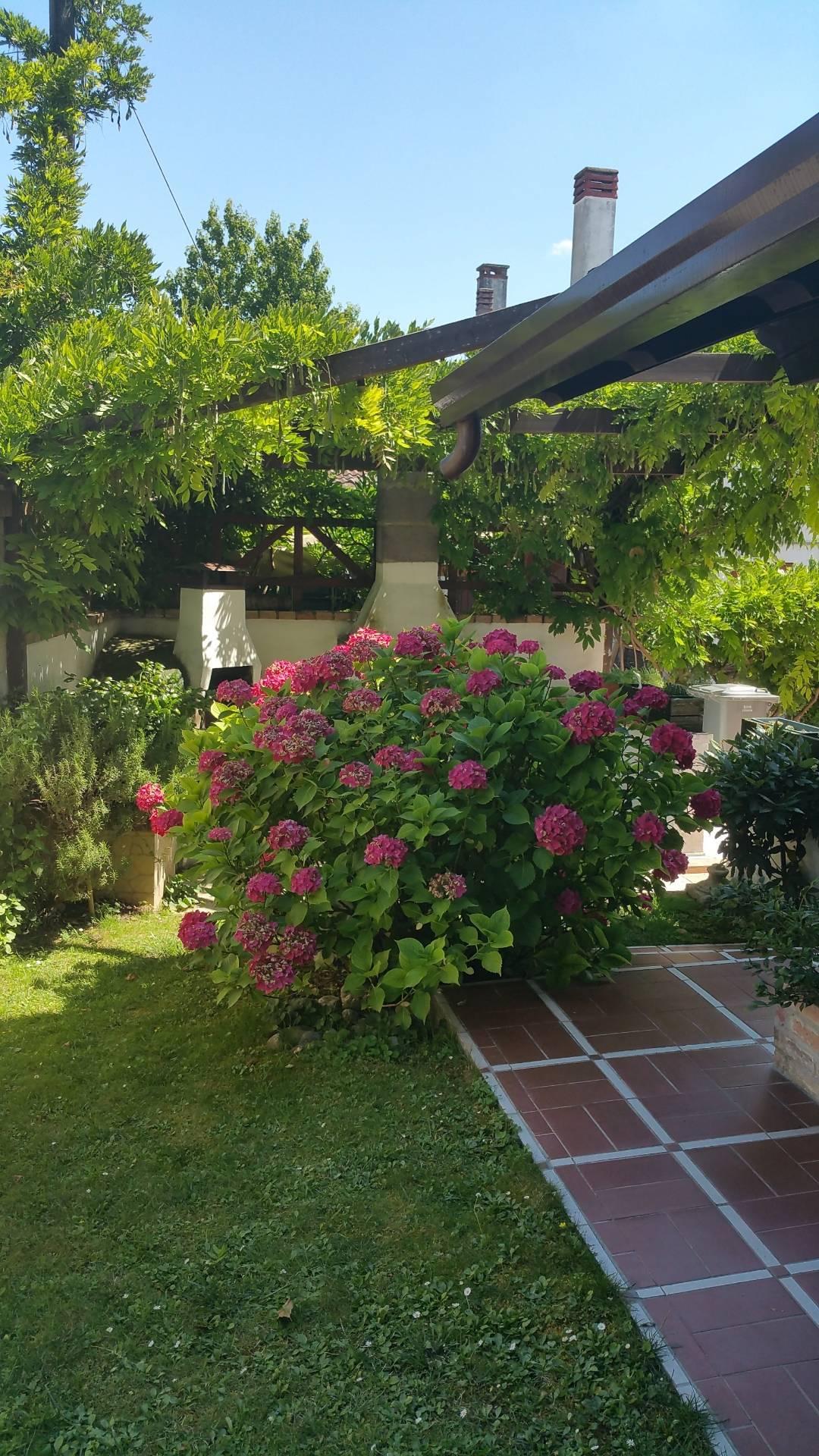 vendita villa bifamiliare treviso 8 300  490.000 €