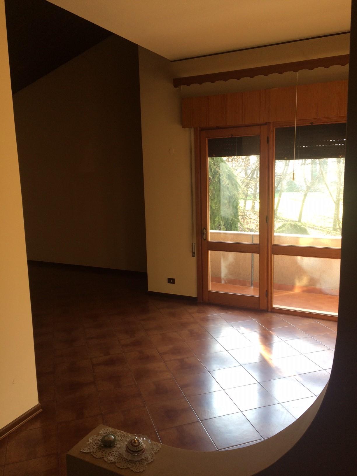Villa in vendita a Carbonera, 9 locali, prezzo € 300.000 | CambioCasa.it