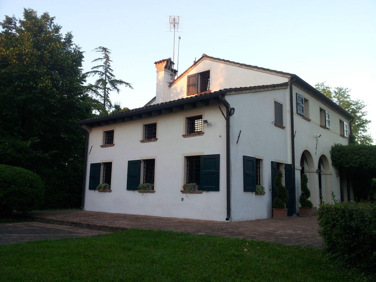 Rustico / Casale in affitto a Monastier di Treviso, 10 locali, zona Località: ChiesaVecchia, prezzo € 1.700 | CambioCasa.it