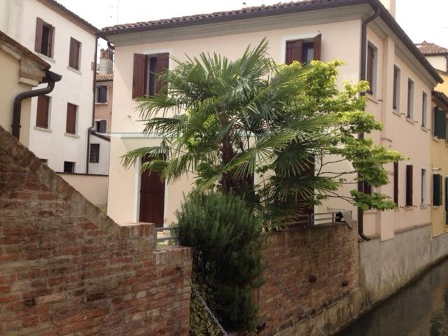 Villa in affitto a Treviso, 6 locali, zona Località: Centrostorico, prezzo € 1.700 | CambioCasa.it