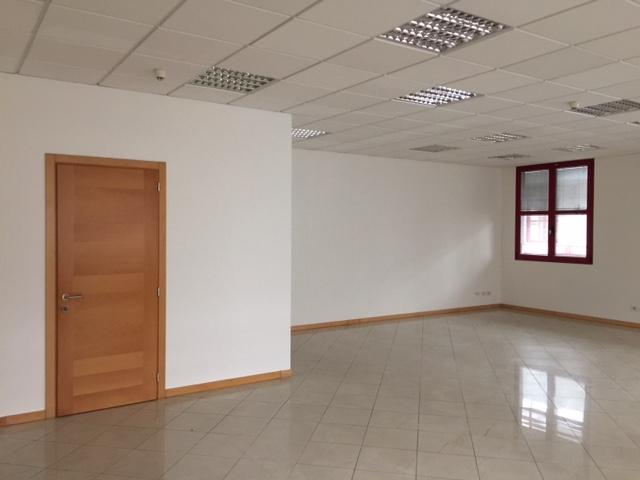 Ufficio / Studio in affitto a Spresiano, 9999 locali, zona Località: Centro, prezzo € 650 | CambioCasa.it