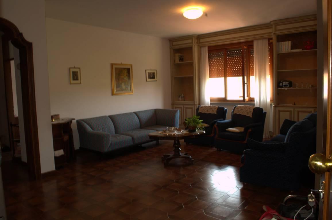 Appartamento in vendita a Villorba, 5 locali, zona Zona: Lancenigo, prezzo € 135.000 | CambioCasa.it