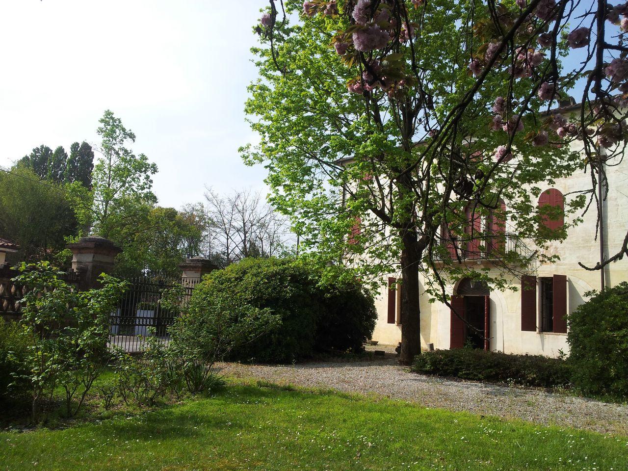 Villa in vendita a Roncade, 18 locali, Trattative riservate | CambioCasa.it