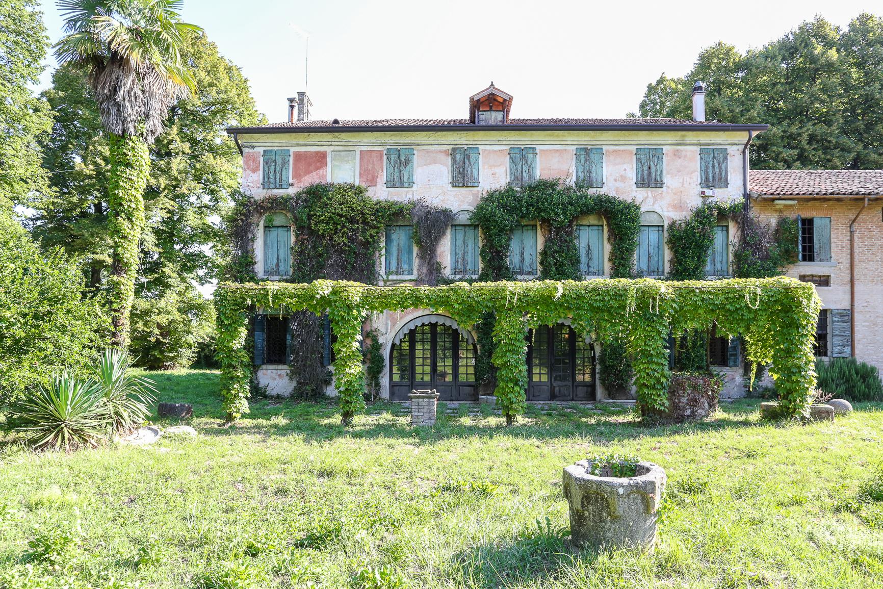 Villa in vendita a San Biagio di Callalta, 20 locali, zona Località: S.AndreadiBarbarana, prezzo € 1.200.000   CambioCasa.it