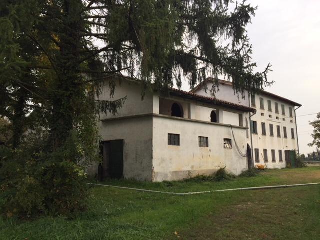 Rustico / Casale in vendita a San Biagio di Callalta, 10 locali, zona Località: S.AndreadiBarbarana, prezzo € 380.000 | CambioCasa.it