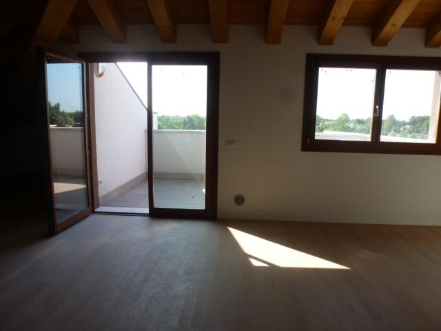 Attico / Mansarda in vendita a Treviso, 5 locali, zona Località: Intornomura, prezzo € 270.000   CambioCasa.it