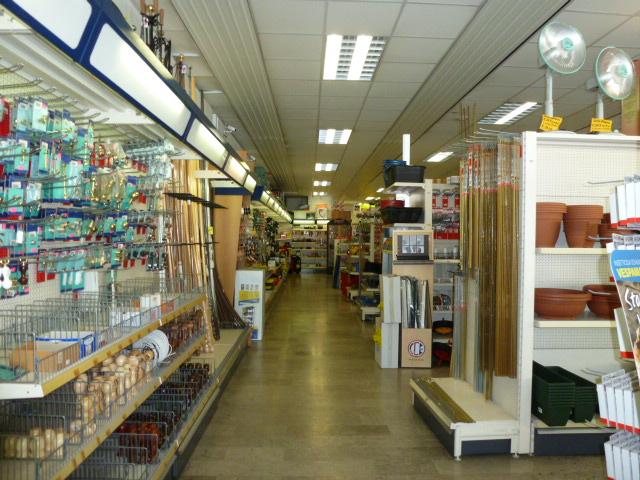 Negozio / Locale in vendita a Belluno, 9999 locali, prezzo € 700.000 | CambioCasa.it