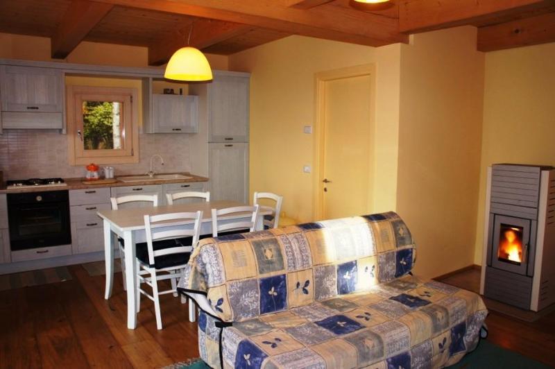 Villa in vendita a Farra d'Alpago, 3 locali, prezzo € 210.000   CambioCasa.it