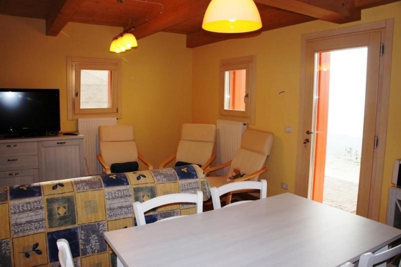Villa in vendita a Farra d'Alpago, 3 locali, prezzo € 250.000 | CambioCasa.it