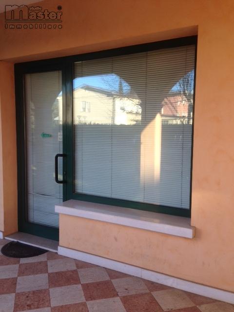 Negozio / Locale in affitto a Ponzano Veneto, 9999 locali, zona Zona: Ponzano, prezzo € 650 | CambioCasa.it