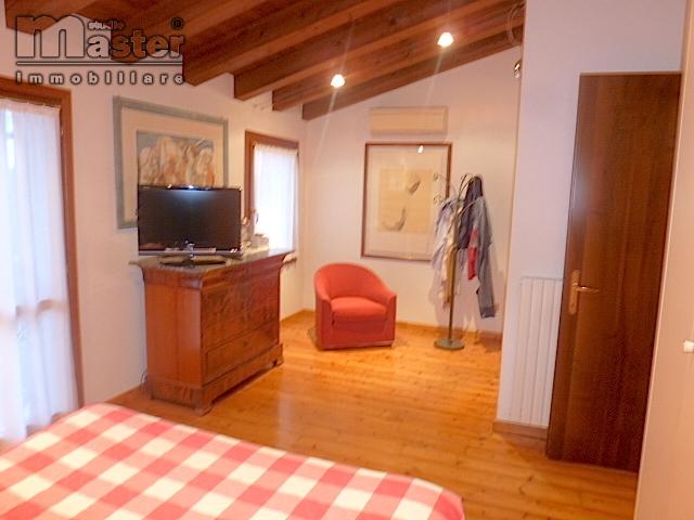 Rustico / Casale in vendita a Povegliano, 4 locali, zona Zona: Camalò, prezzo € 250.000 | CambioCasa.it