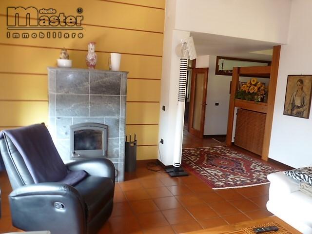 Villa in vendita a Volpago del Montello, 8 locali, prezzo € 400.000   CambioCasa.it